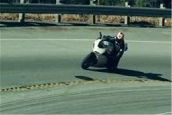 ما عاشق موتورسیکلت ایم!