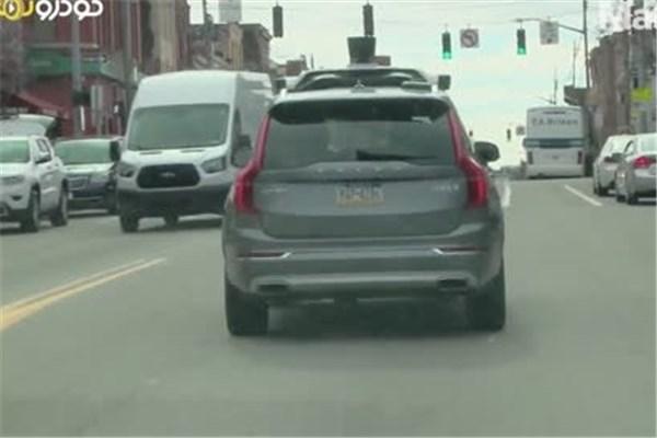 اتومبیل های خودران بزودی می توانند آزادانه در خیابان های کالیفرنیا تردد کنند.