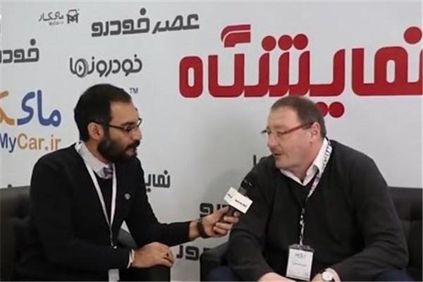اختصاصی خودرونما - مصاحبه با شافر مدیر صادرات باتری اینتنک در نمایشگاه خودرو تهران