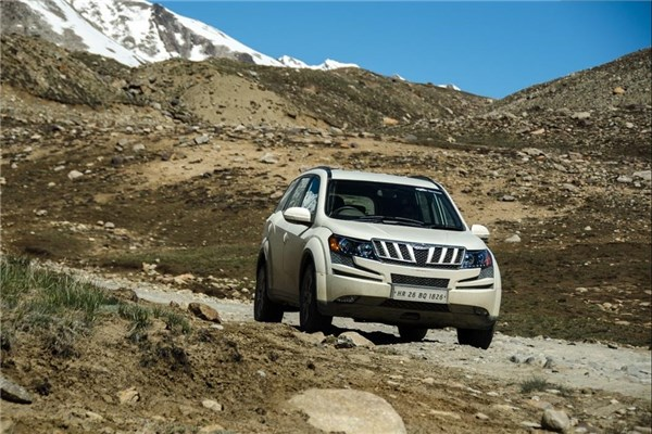 قابلیت آفرود XUV۵۰۰ ، کراس اوور ماهیندرا، بزودی این خودرو را در خیابان های ایران می بینیم