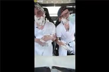 چالش احمقانه اصلاح ریش در ماشین درحال دریفت!