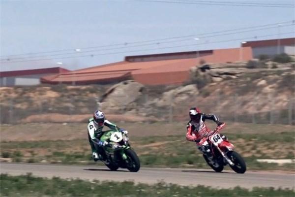 مسابقه دیدنی بین موتور کراس و موتور ریس؛ برنده کدام است؟