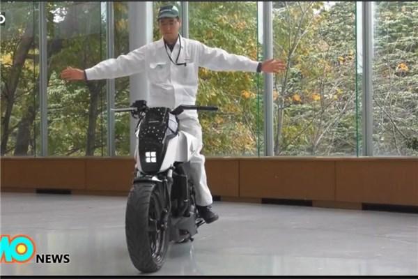 نگاهی به موتورسیکلت خودران هوندا و قابلیت جالب حفظ تعادل آن