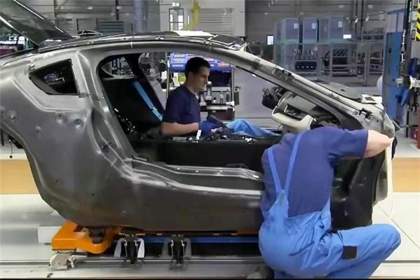 نگاهی به خط تولید کوپه پاک BMW