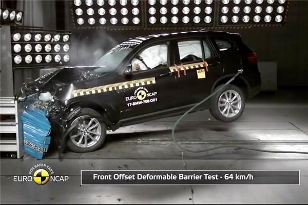تست تصادف Euro NCAP برای ب ام و X۳ و X۴