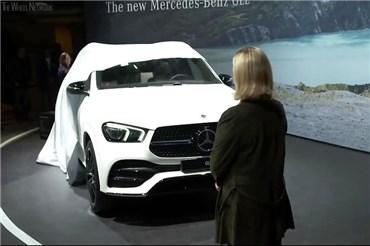 نمایشگاه خودرو پاریس (۶): نسل چهارم شاسی بلند متوسط مرسدس بنز رونمایی شد