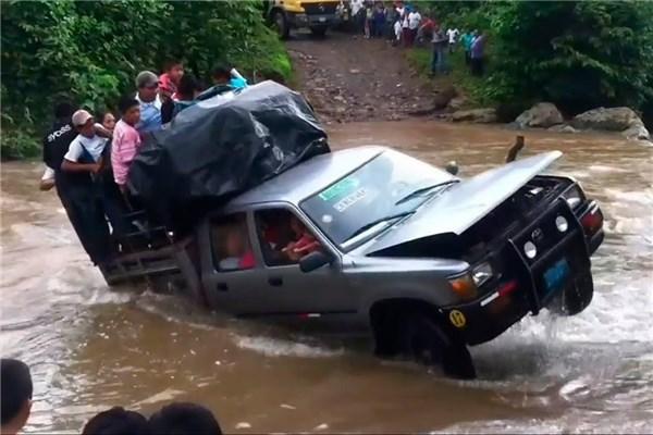 قدرتنمایی آفرودرها در عبور از رودخانه