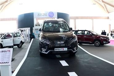 نگاهی به غرفه سیف خودرو و محصولات جدید در نمایشگاه خودرو تهران ۹۷